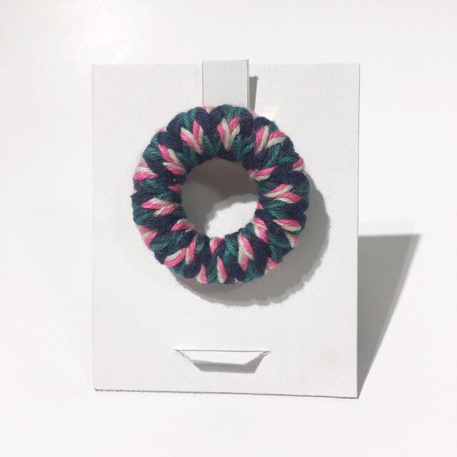 knit丸ブローチの画像1枚目
