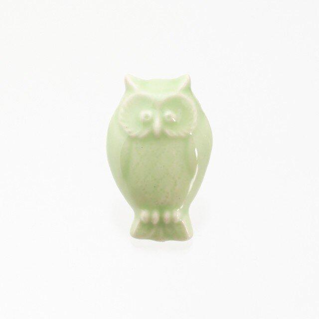 陶器ブローチ フクロウ(ライトグリーン)の画像1枚目