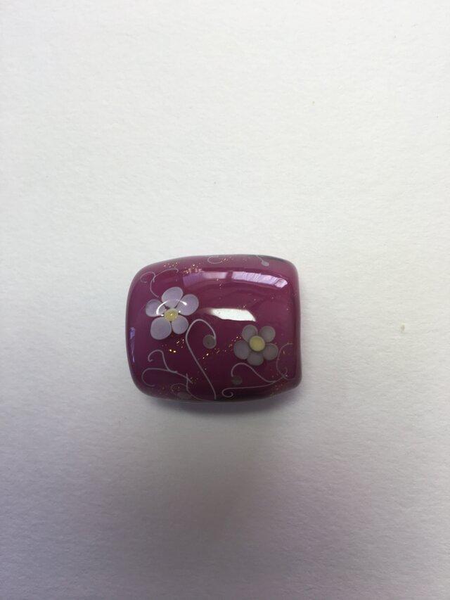 とんぼ玉*つる花模様の帯留*あかむらさきの画像1枚目