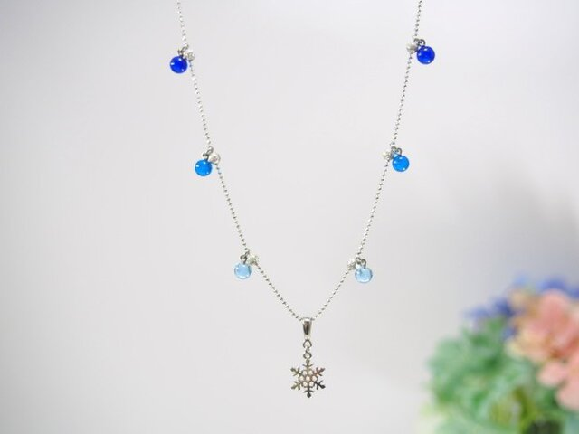 雪の結晶のネックレス の画像1枚目