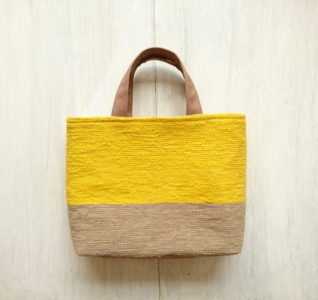 裂き織りのバッグ マスタード×濃ベージュの画像1枚目