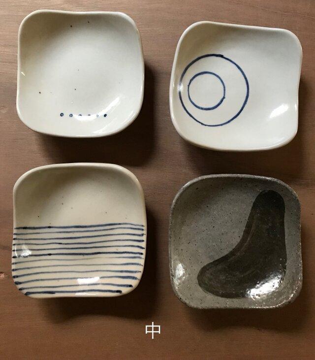 足付き皿(中)の画像1枚目