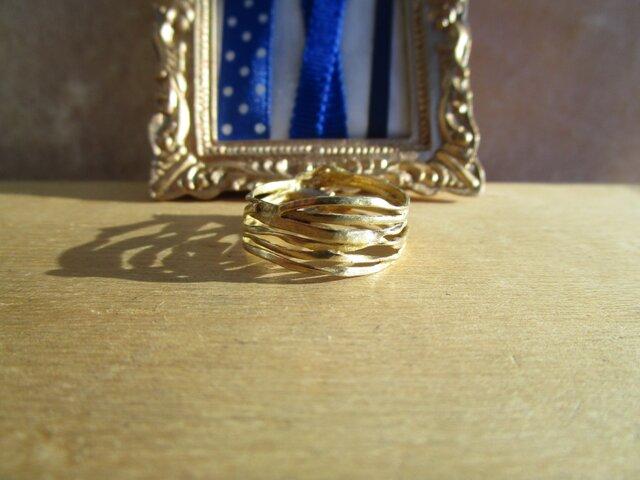 真鍮 リボン 巻きつき リングの画像1枚目