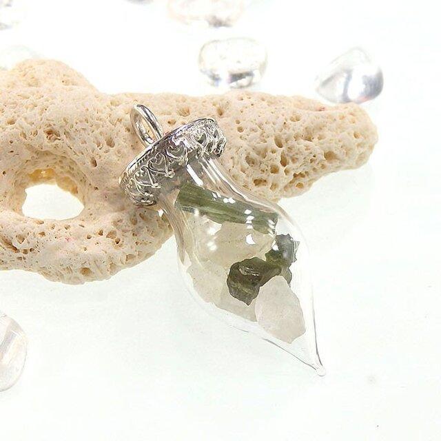 ~結晶を飾る~モルダバイト原石とフェナカイト原石のボトルペンダントの画像1枚目