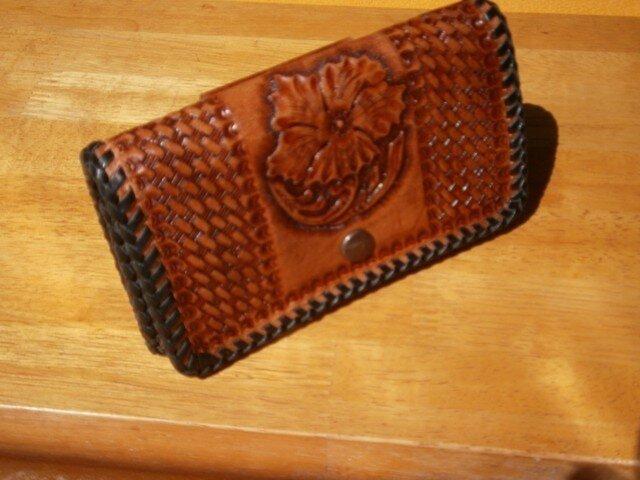 レザーカービングの本革(牛革)スマートフォン等携帯ケースの画像1枚目