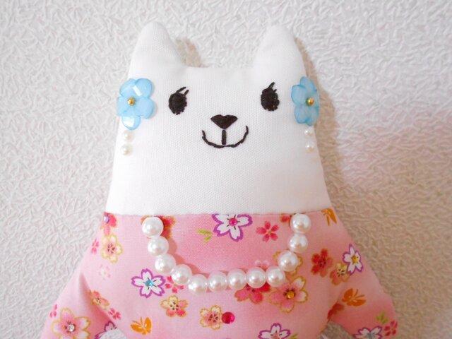 桜ドレスのしろねこさんの画像1枚目