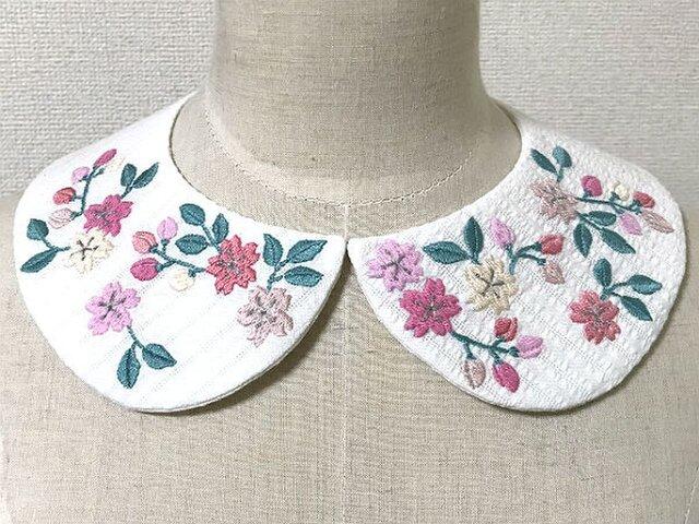 手刺繍つけ襟(桜)の画像1枚目