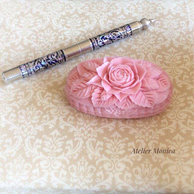 春を感じる香り良い♡バラの贈り物  ソープカービングの画像1枚目