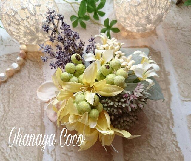 セダムと小花とグリーンのコサージュ No013の画像1枚目