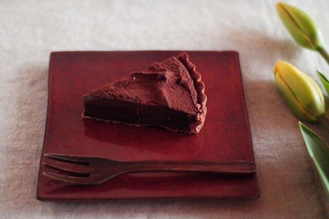 チョコレート色の板皿の画像1枚目