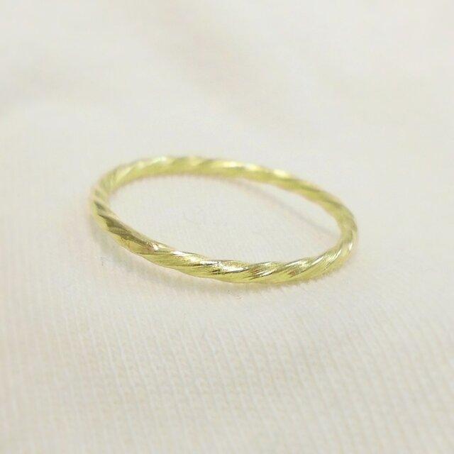 Mini twist ring(真鍮)の画像1枚目