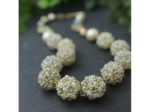 シャンパン色の花珠ネックレスの画像1枚目