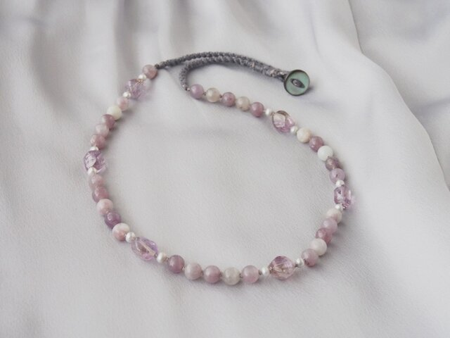 Pale Purple Necklaceの画像1枚目