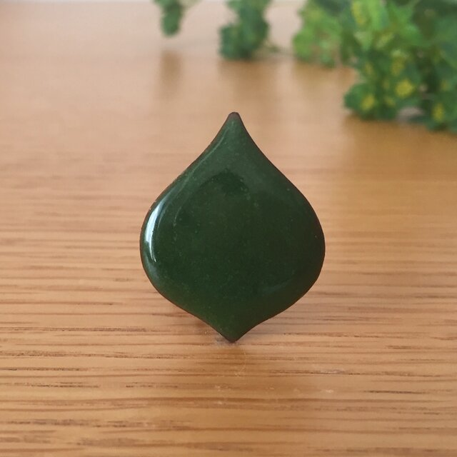 七宝ブローチ「このは・常緑」の画像1枚目