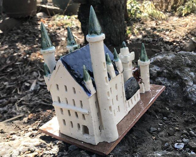 ファンタジックな古城の画像1枚目