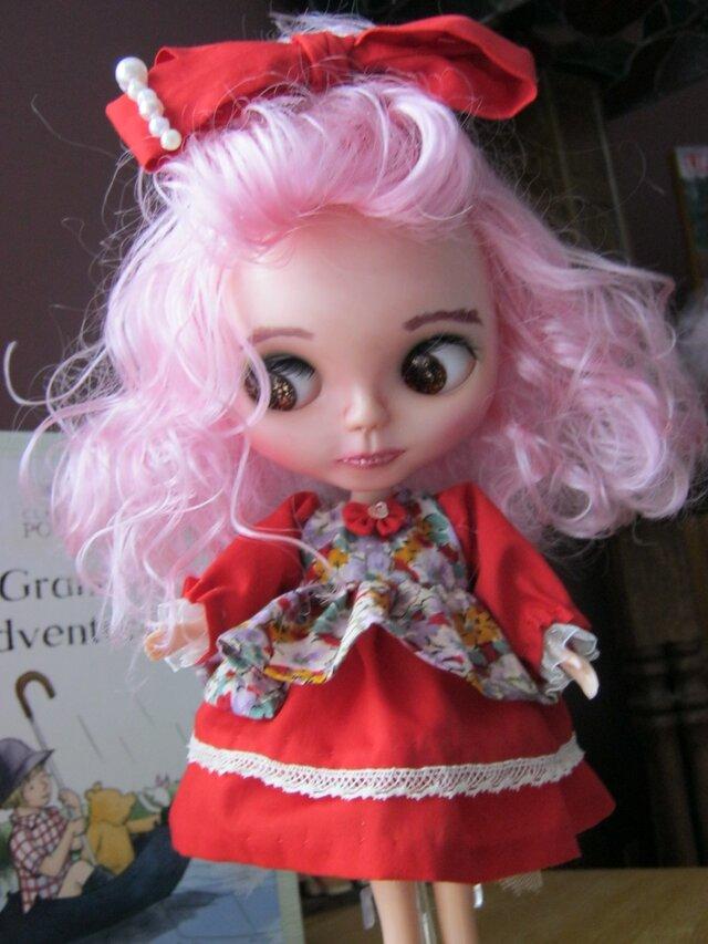 カナダからお届けするブライスの為の真っ赤なドレス5点セットの画像1枚目