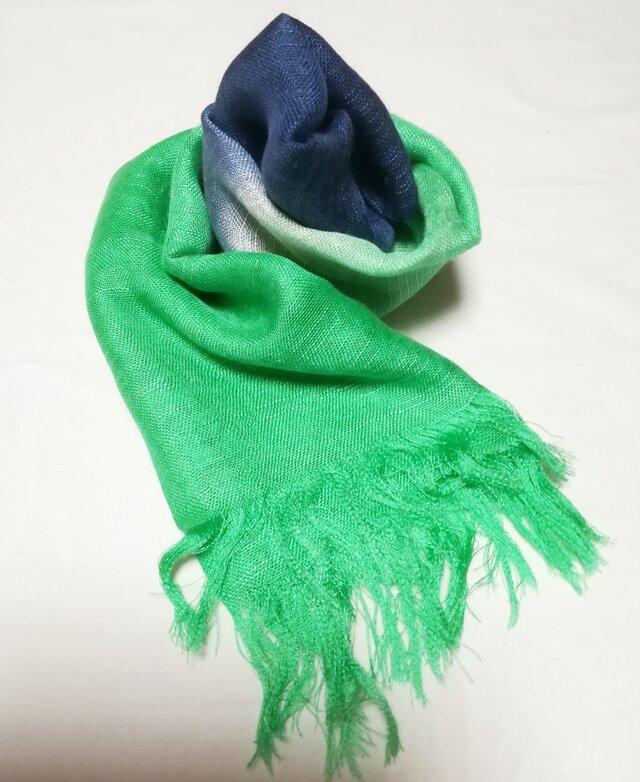 国産シルク100%手描き染めストール green&navy blue-の画像1枚目