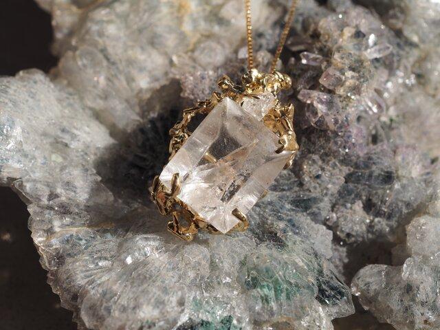 k18ダイヤ原石&クォーツネックレスの画像1枚目