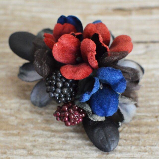 *染の草花*『染の草花・ブラックベリーのコサージュ』の画像1枚目
