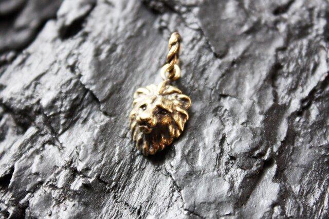 金色ライオンのペンダントの画像1枚目