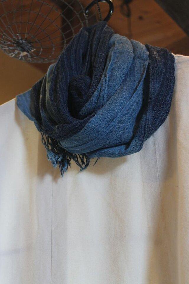 再々販 藍染綿ポリグラデーションストールの画像1枚目