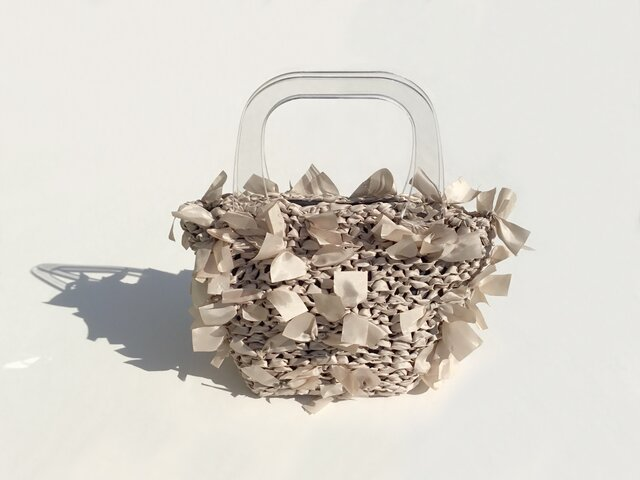 [cyane]basket bag / fabric:beige × handle:clearの画像1枚目