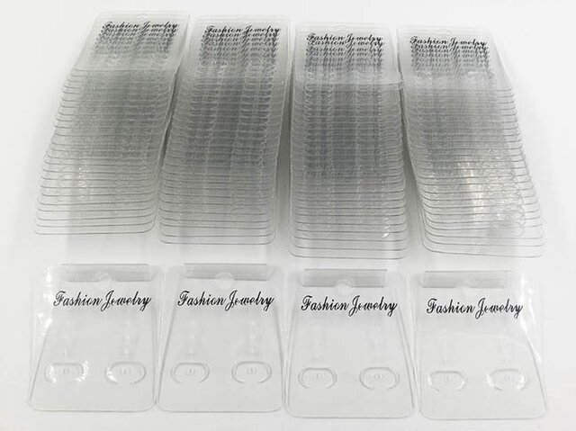 送料無料 ピアス 台紙 100枚 イヤリング 台紙 クリア 透明 フック付き アクセサリーパーツ (AP0454)の画像1枚目