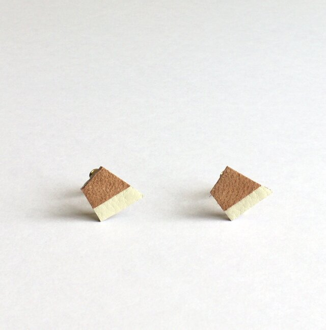 Deformation square leather / light brownの画像1枚目