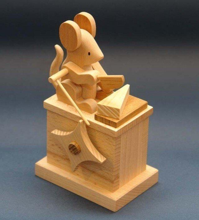 ネズミのからくりオルゴールの画像1枚目