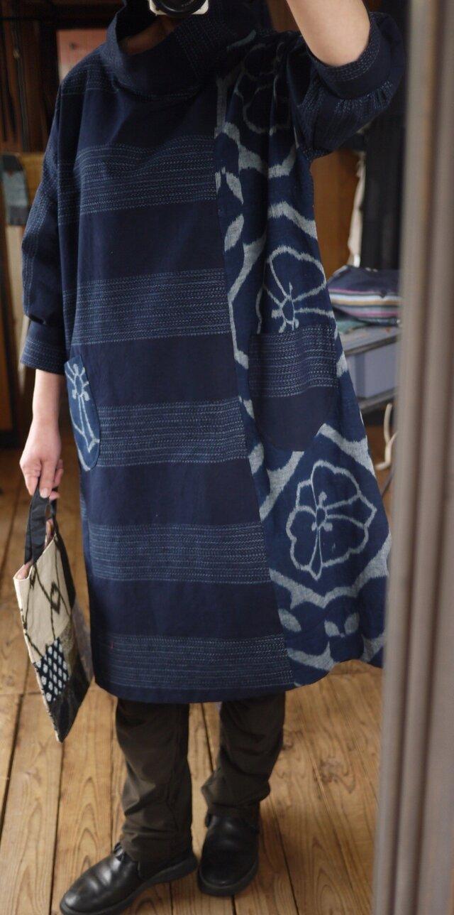 藍染古布筒がきと久留米絣のチェックワンピースの画像1枚目