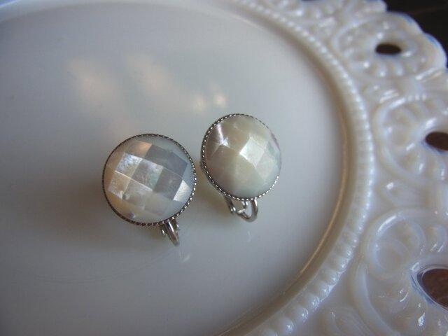 白蝶貝のイヤリング(シルバー)の画像1枚目
