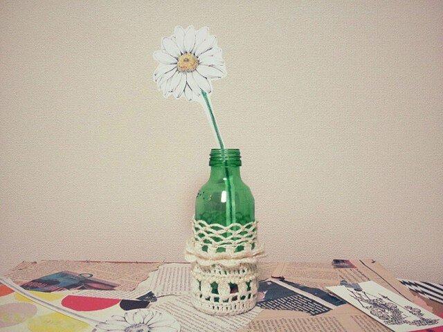 ペーパーフラワーと一輪挿し*knit flower petalの画像1枚目