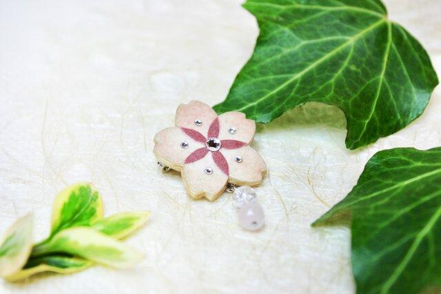 【和紙貼り絵アクセサリー】-夢桜(ゆめさくら)ブローチAの画像1枚目