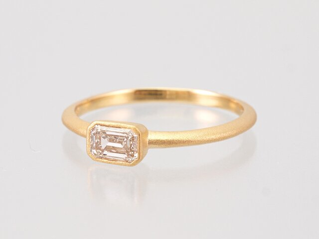 Diamond Ring / Emerald cutの画像1枚目