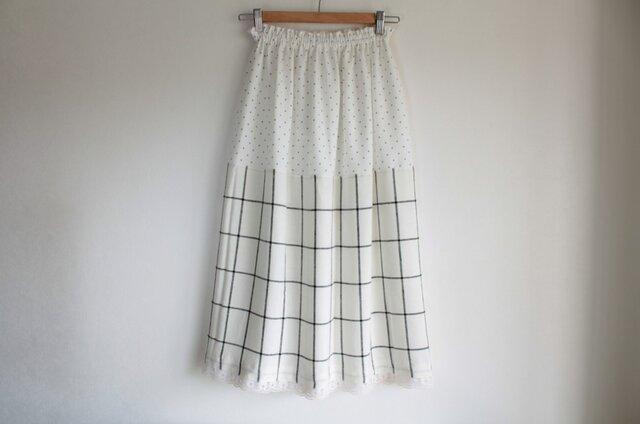 ☆ミディロングホワイトスカート☆レース付の画像1枚目