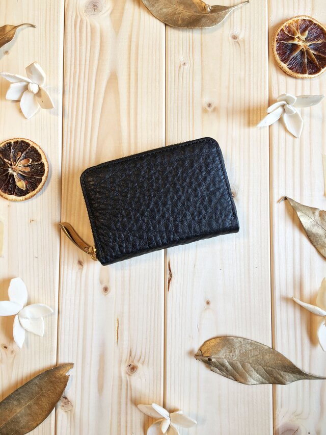 ふっくらシュリンクシリーズ《ブラック》多機能に使えるマルチケースミニ財布の画像1枚目