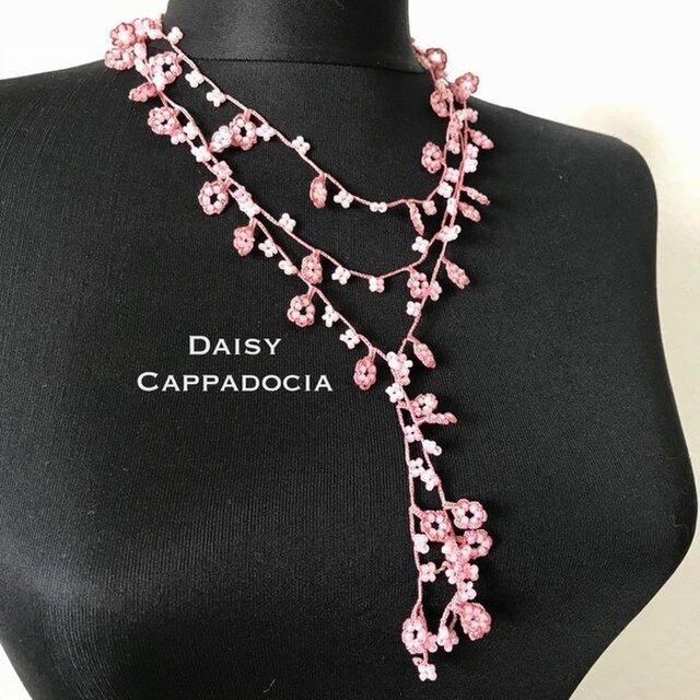 ビーズの刺繍ラリエット「カスケード」ピンクの画像1枚目
