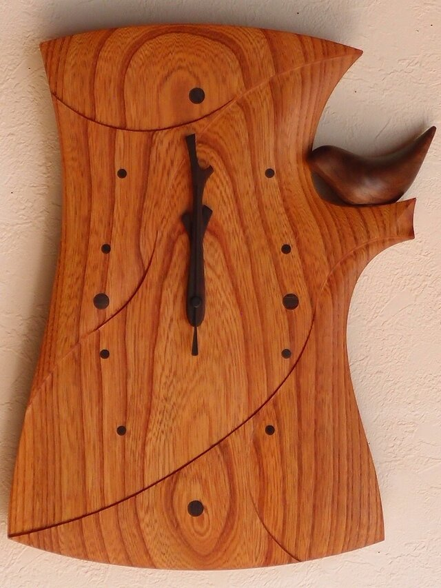 無垢の木の電波掛け時計 けやき 鳥のつぼ押し 0062の画像1枚目