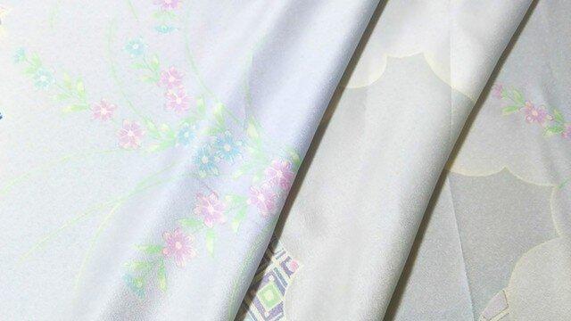 正絹振袖 はぎれ⑬【熨斗に花古典柄模様】50cm(008の画像1枚目