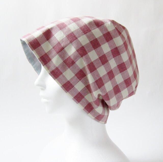 夏に涼しく下地にもなる ゆったりガーゼ帽子 ラズベリー色ギンガムチェック 水色(CGR-009-RCM)の画像1枚目
