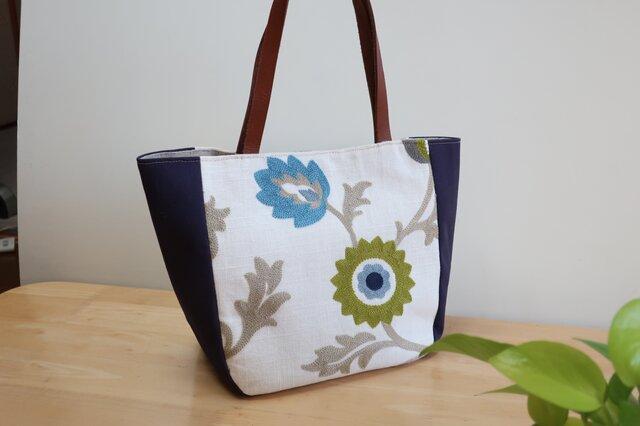 (再販)刺繍花柄イギリスコットントートバックの画像1枚目