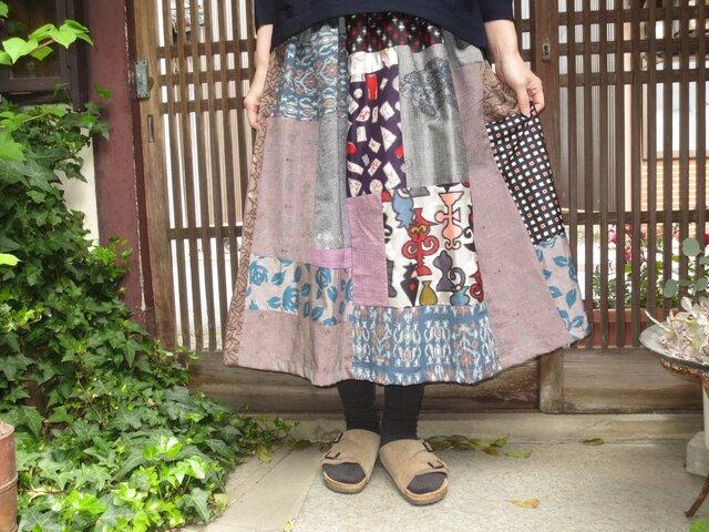 着物リメイク☆銘仙と紬を楽しくパッチ&パッチレトロポップなふんわり大人スカート75㎝丈の画像1枚目
