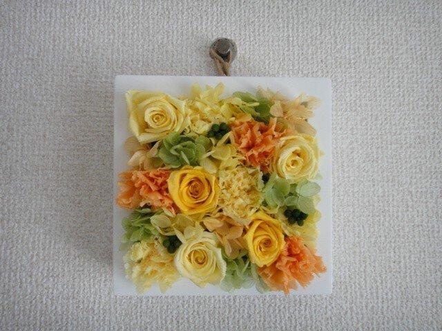 【作品紹介】フレームフラワー【壁掛け】(黄×橙×緑 mix)の画像1枚目