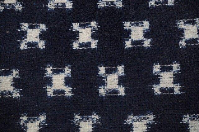 kh0004 石畳紋様絣木綿ハギレ01☆古布・古裂 /筒描き/型染め/藍染/の画像1枚目