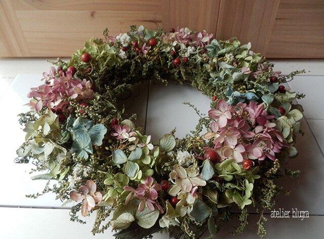 八ヶ岳〜(定形外郵便発送)紫陽花とノイバラの実のWreathの画像1枚目