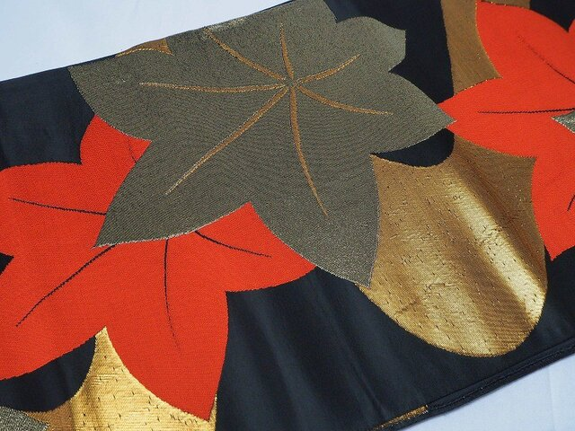 o0010 紅葉紋西陣帯 50cm売り/ハギレ☆古布・古裂/正絹/織/材料/表具/の画像1枚目