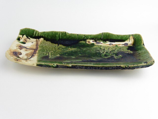 織部 鉄絵板皿の画像1枚目
