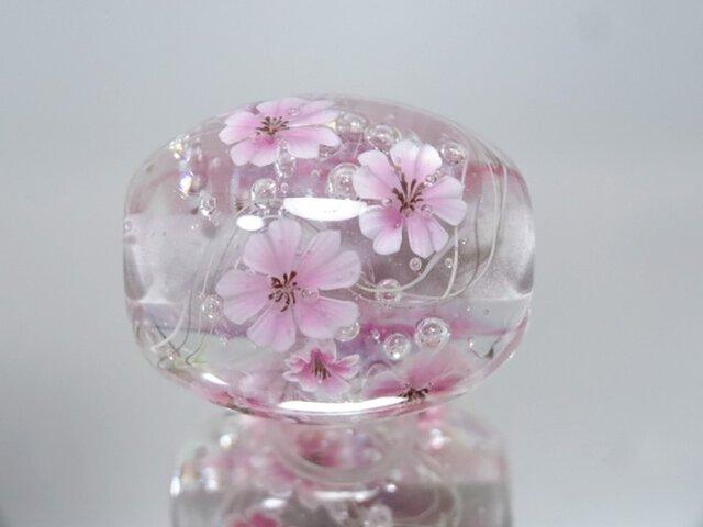 桜のとんぼ玉(ガラス玉)の画像1枚目