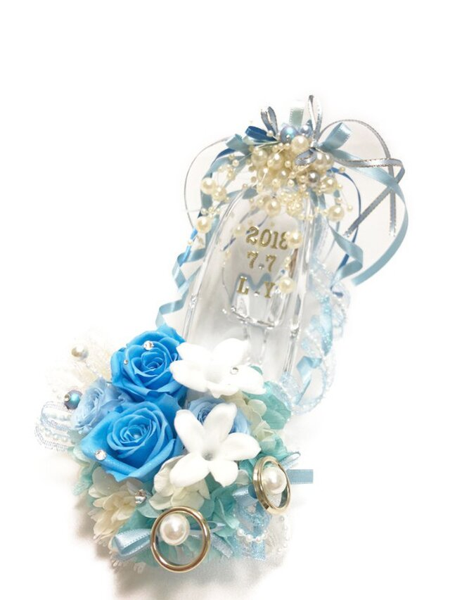 プリザーブドフラワーガラスの靴リングピロー/サムシングブルーとジャスミンの祝福の画像1枚目