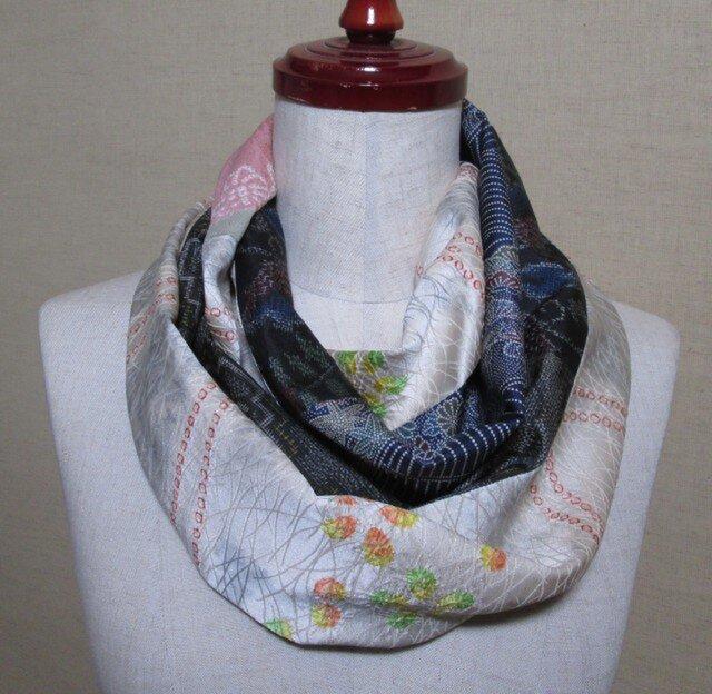 着物リメイク 2種類の絞り正絹着物×大島紬から作ったスヌードの画像1枚目